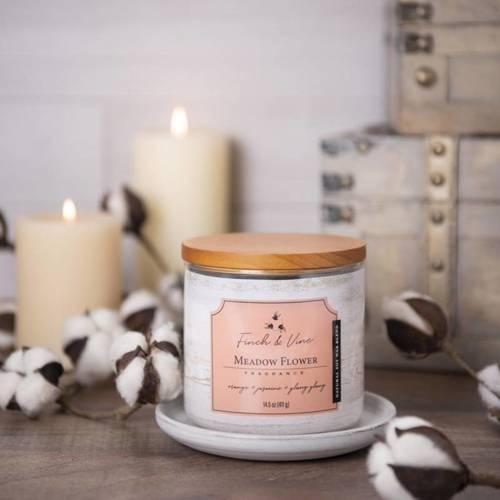 Colonial Candle Finch & Vine sojowa świeca zapachowa w szkle 3 knoty 14.5 oz 411 g - Meadow Flower