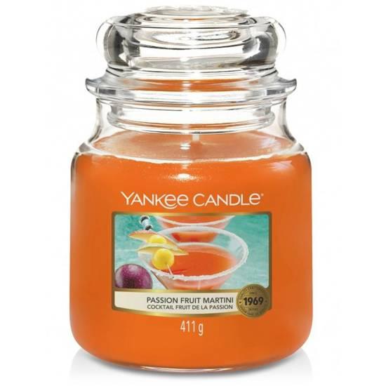 Yankee Candle średnia świeca zapachowa w szklanym słoju 14,5 oz 411 g - Passion Fruit Martini